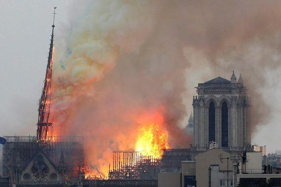 Notre-Dame-AP